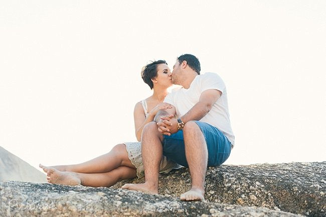 Lovely Engagement Photos on the Beach