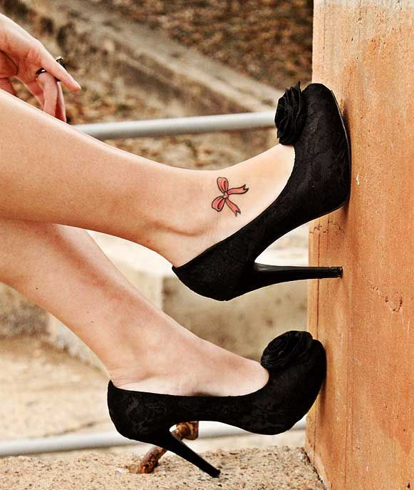 Extremely Chic Bow Tattoo Designs