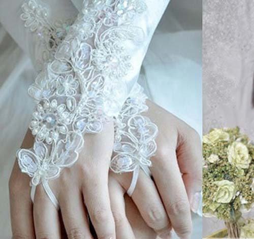 28 Pretty Bridal Gloves Ideas