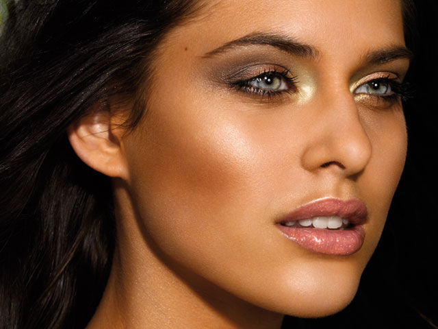 Brilliant Ideas for Wearing Bronze Makeup