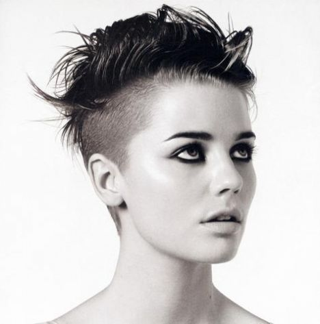 36 Sexy and Hot Half Shaved Hairstyles