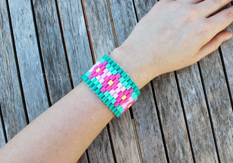 18 Easy and Fun Tutorials for Perler Bead Accessories