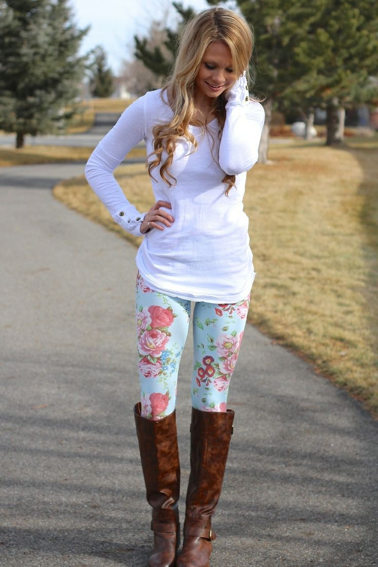 9764210df964 38 Stylish Fall Outfits with Boots and Tights