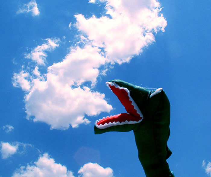 18 Superbly Playful Photos with Clouds