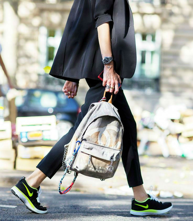 32 Extremely Cool Looks with Sneakers
