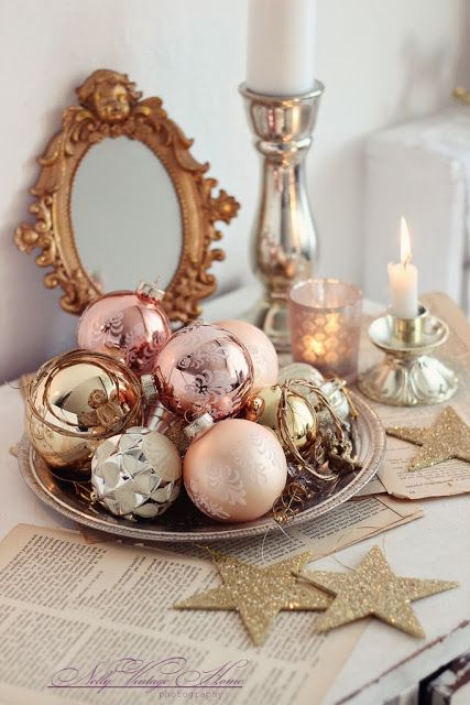 30 Sparkling Gold and Silver Christmas Decorations