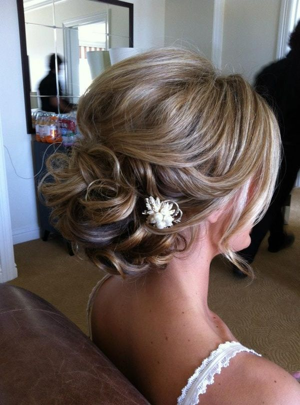 Awesome 39 Elegant Updo Hairstyles For Beautiful Brides Natural Hairstyles Runnerswayorg