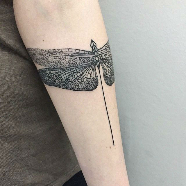 Exquisite Dot Tattoos Are a New Upcoming Trend