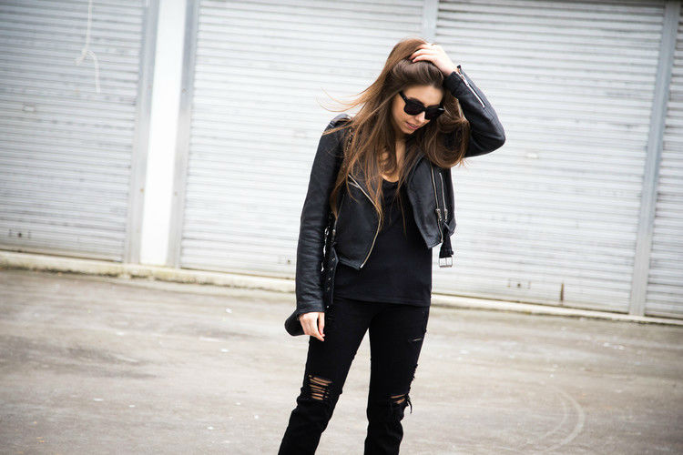 27 Photos of Amazing Ripped Jeans Outfits