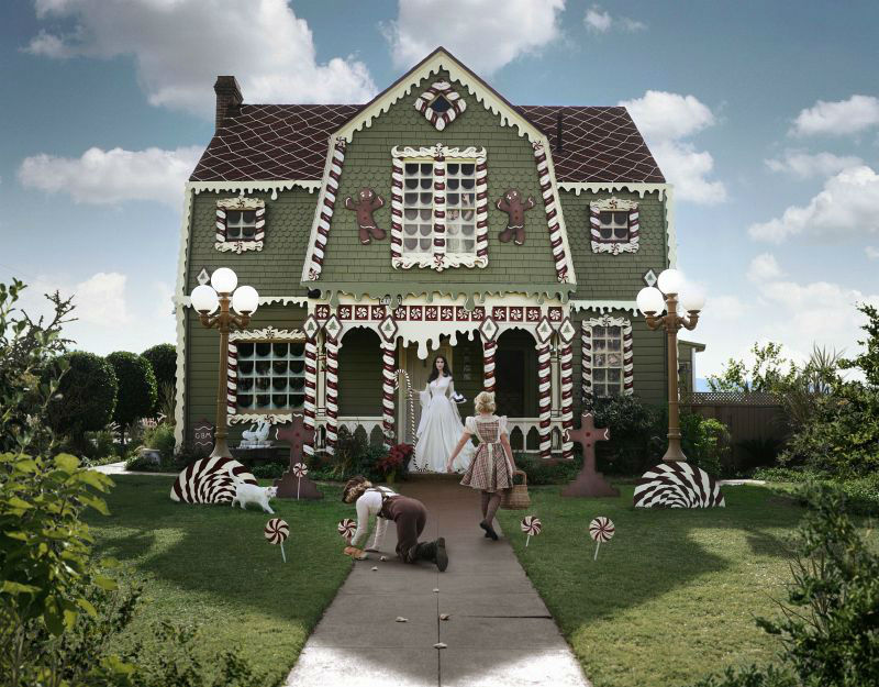 christine-mcconnell-christmas-house01