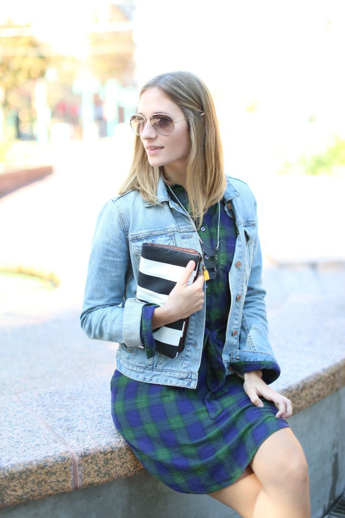 22 Outfits with Simple But Awesome Denim Jackets