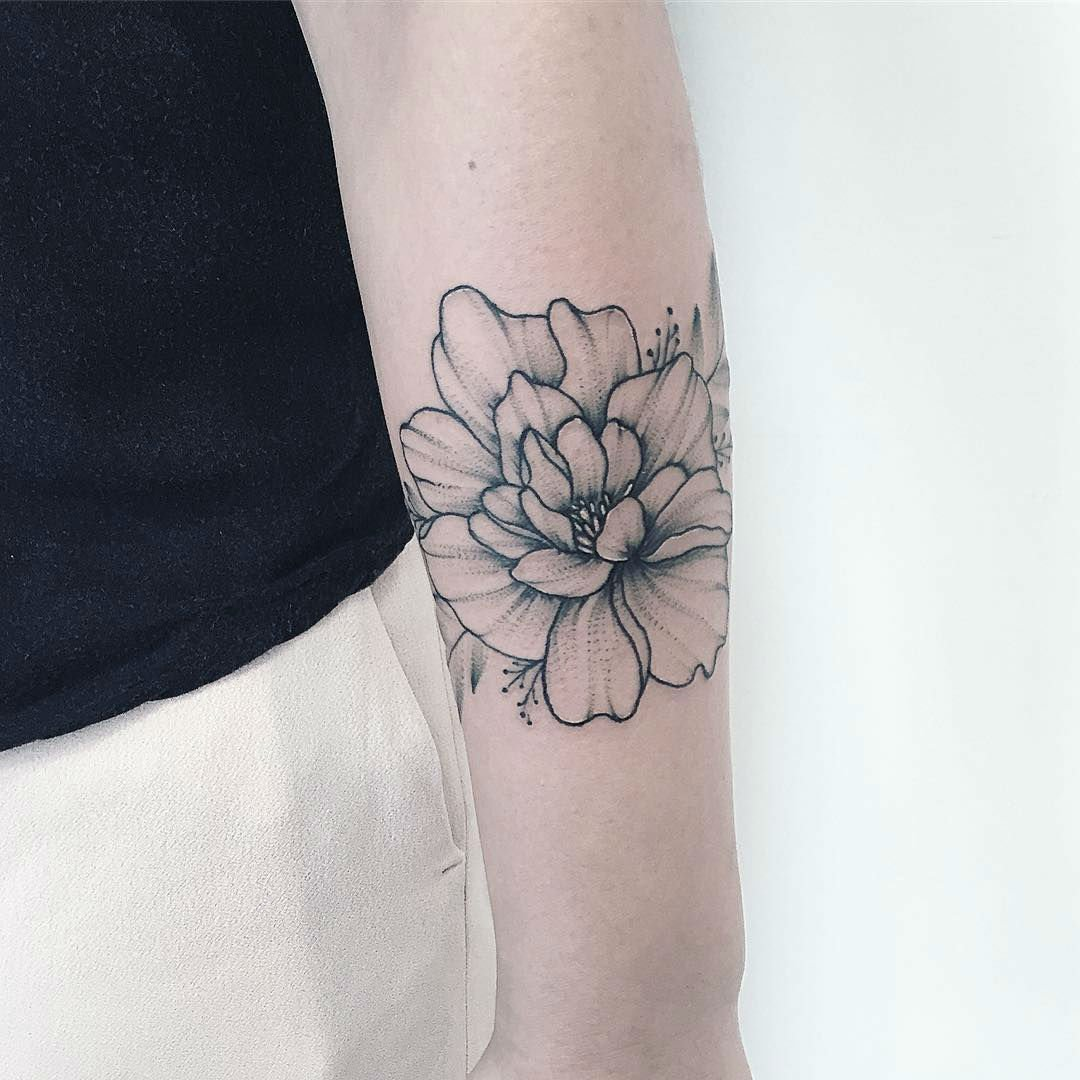 25 Beautiful Floral Tattoos by Anna Bravo