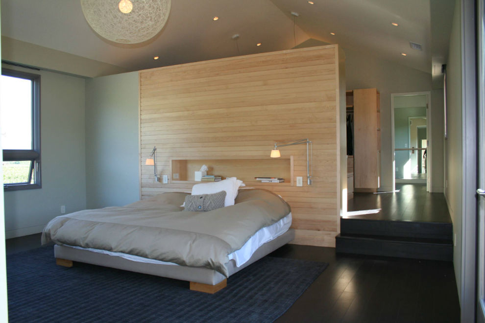 Best Ideas to Style Your Wall Behind Your Bed