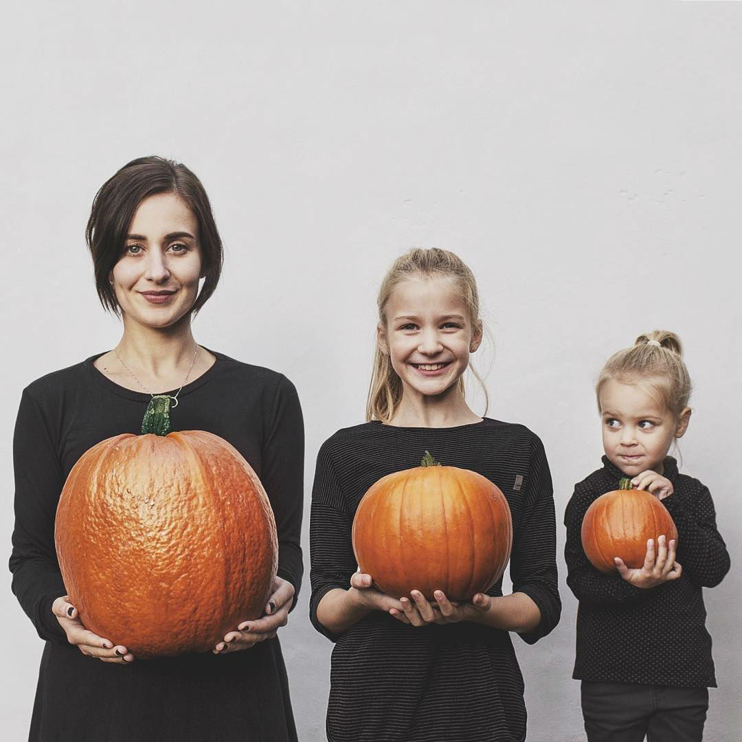 Creative Mom Decided to Quit Her Job and Stay at Home with Her Kids Full Time