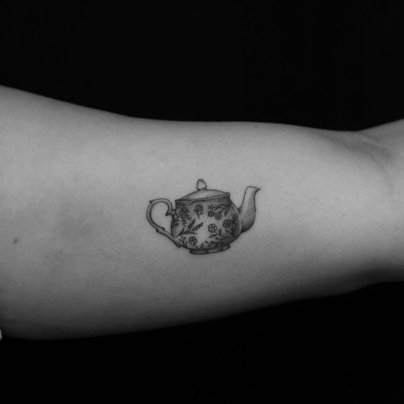 Unusually Small and Meticulous Tattoo Work by Evan