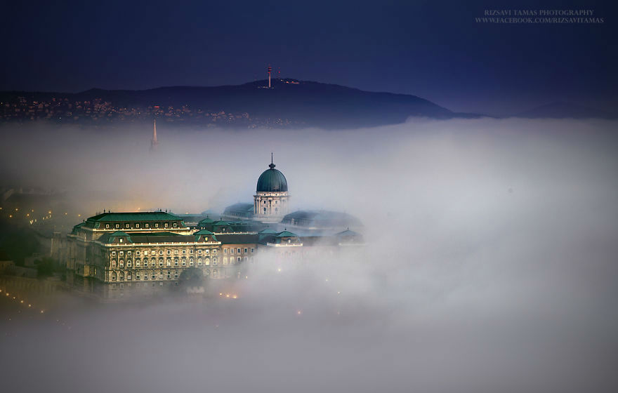 Rizsavi Tamás Spent 4 Years Capturing the Beauty of Mist Covered Budapest