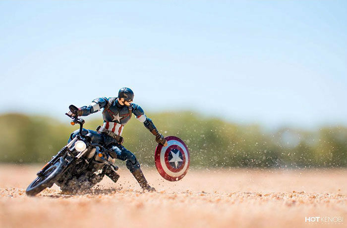 Japanese Photographer Brings Popular Action Figures to Life