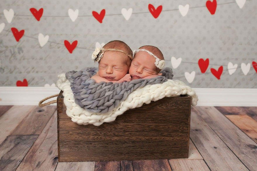 Cuteness Overload: Mom Captures Her Two Adorable Sets of Twins