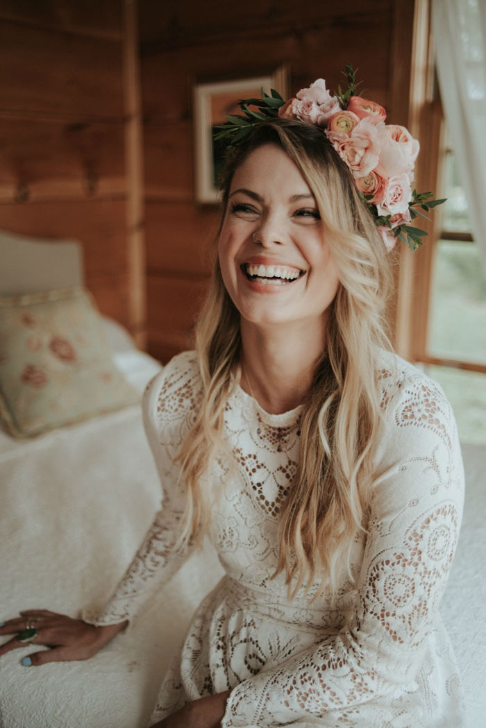 25 Glamorous Flower Crowns for All Brides