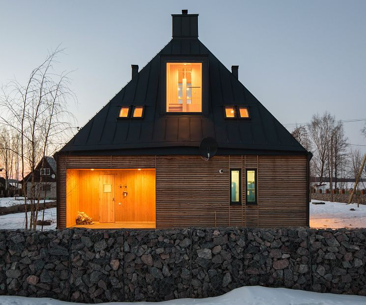 Wooden Home with Sea View Located in Russian Village Pribylovo