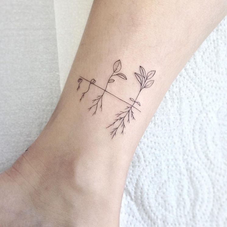 Delicate Feminine Tattoos of Beauty by Lays Alencar