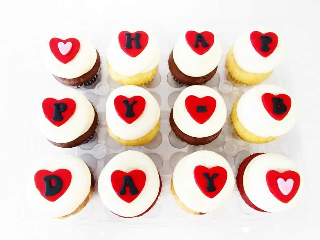 38 Inspiring Valentines Day Cupcakes To Surprise Your Lover