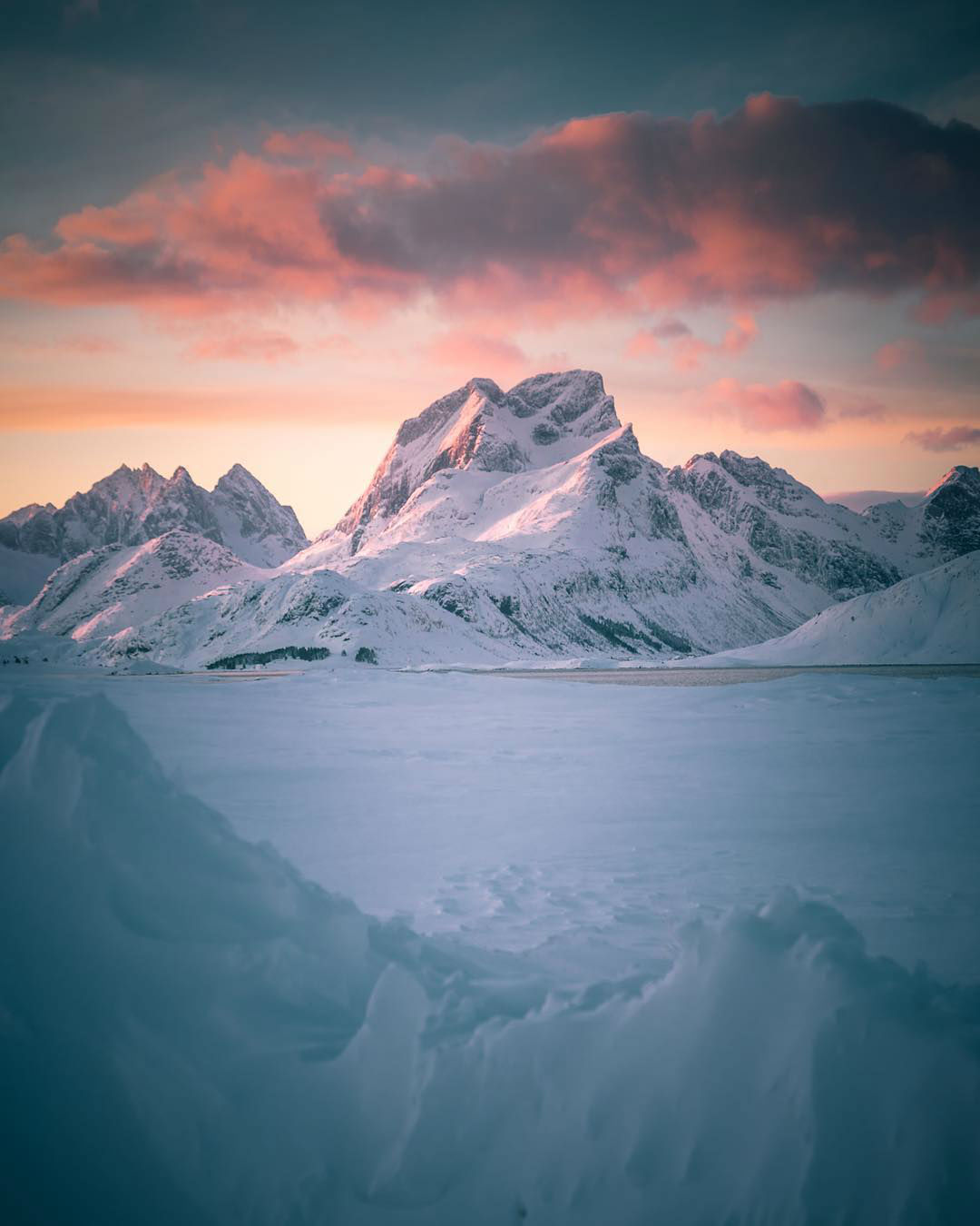 Norwegian Long Night Winter Nature Photography by Even Tryggstrand