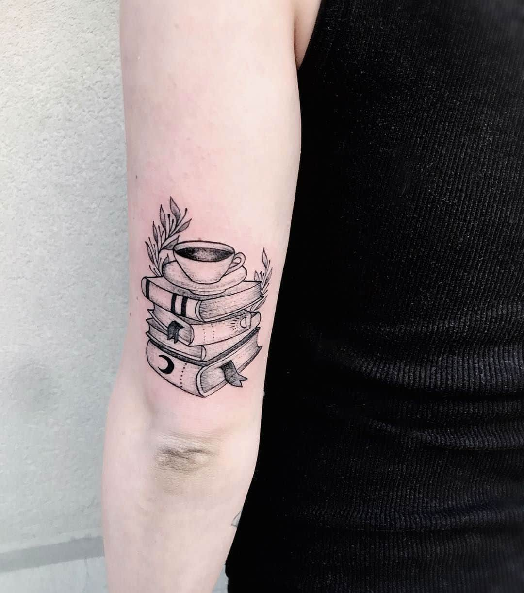 20 Exceptional Book Tattoo Ideas