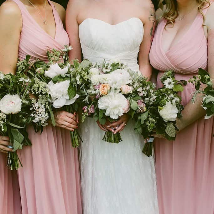 25 Gorgeous Spring Wedding Bouquets