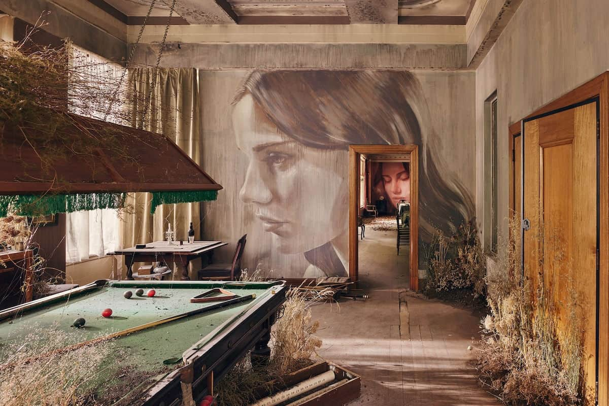 Decaying Mansion Transformed into an Eerie Painting Masterpiece Open to Visitors