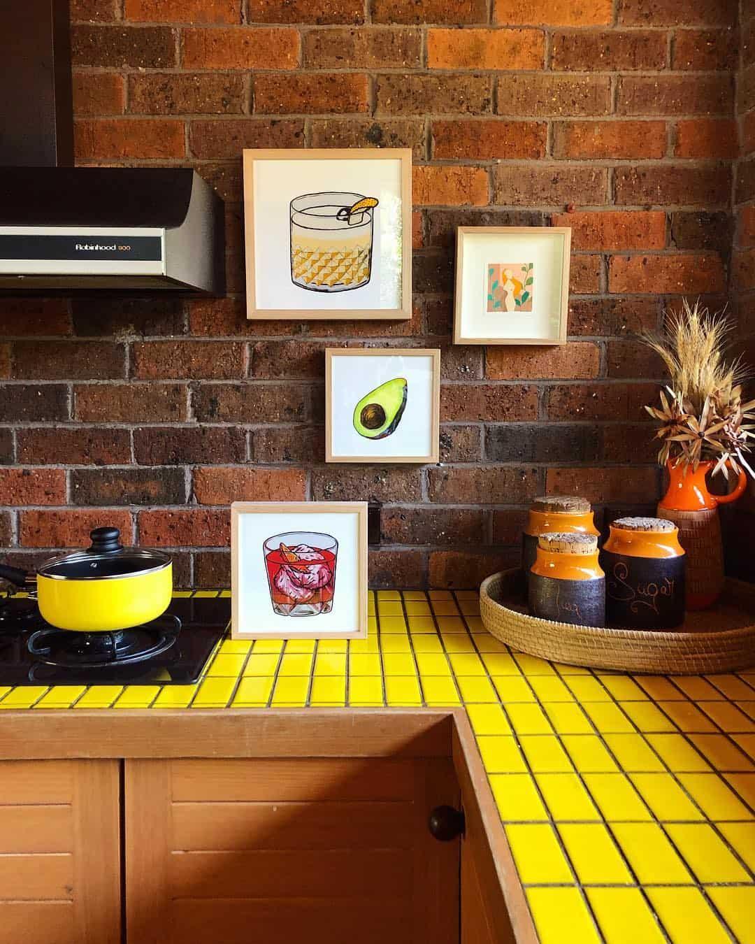 24 Glomorous Yellow Kitchen Design Ideas