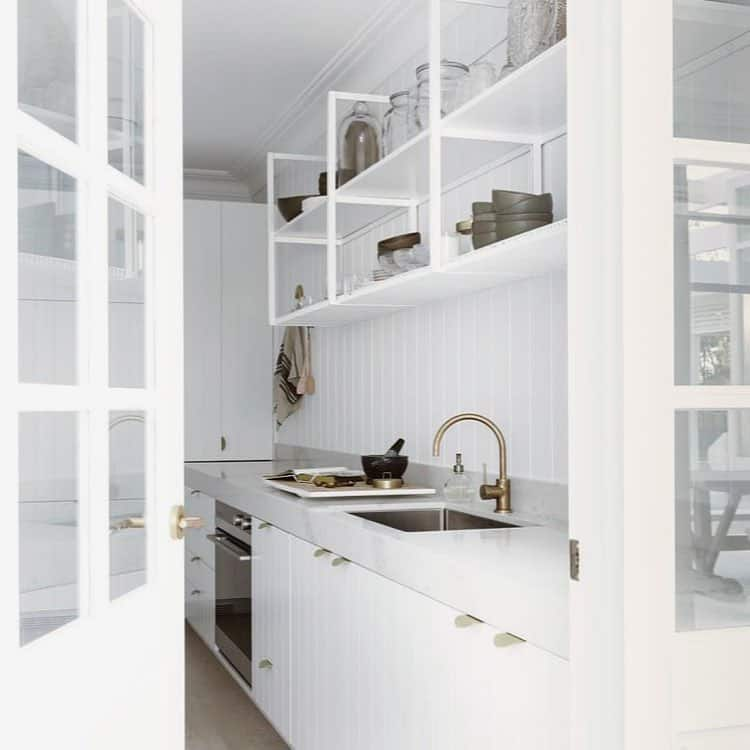 28 Pure and Clean White Kitchen Design Ideas