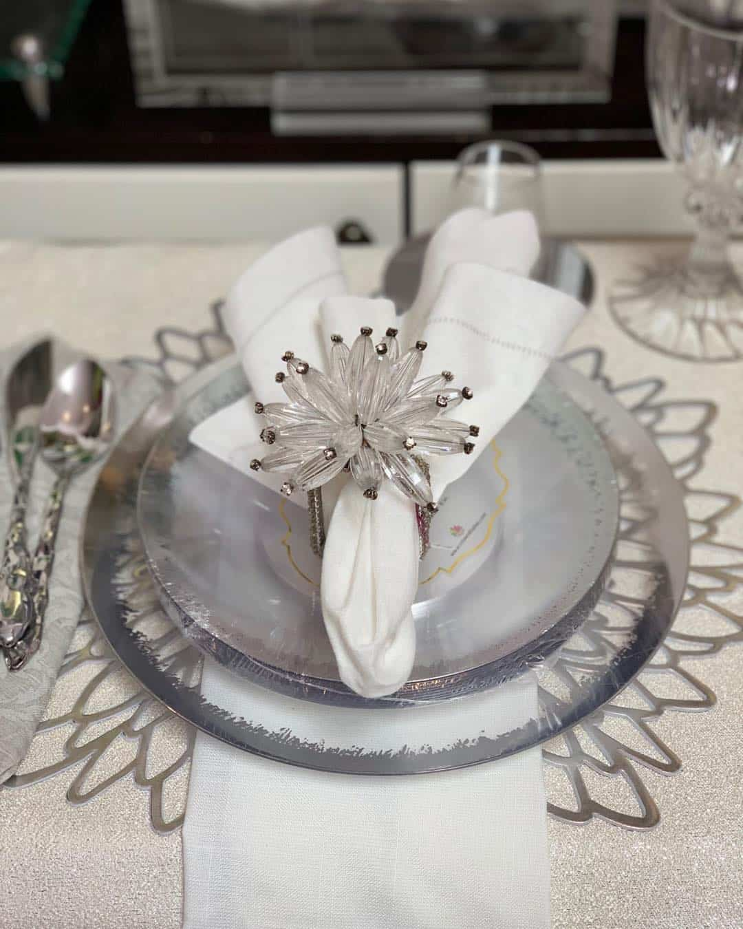 22 DIY Chic and Crafty Napkin Ring Ideas