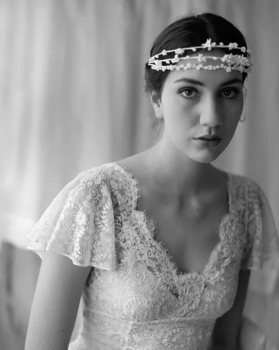 25 Classy Vintage Hairstyles For Beautiful Brides