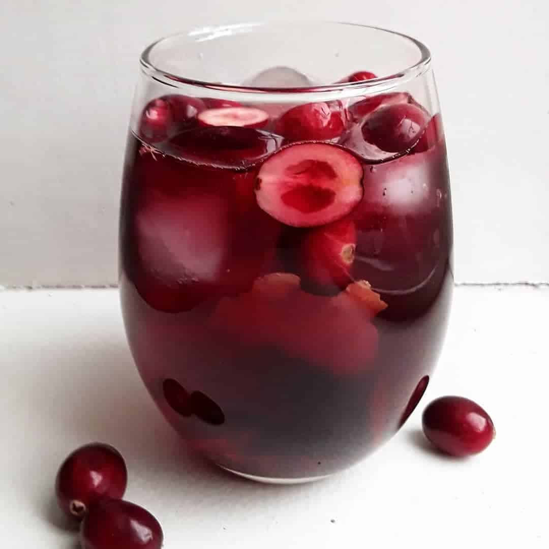 5 Sweet and Tangy Sangria Recipes for Summer Parties