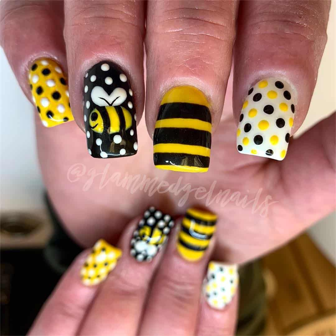 20 Playful Polka Dot Nail Art Design Examples