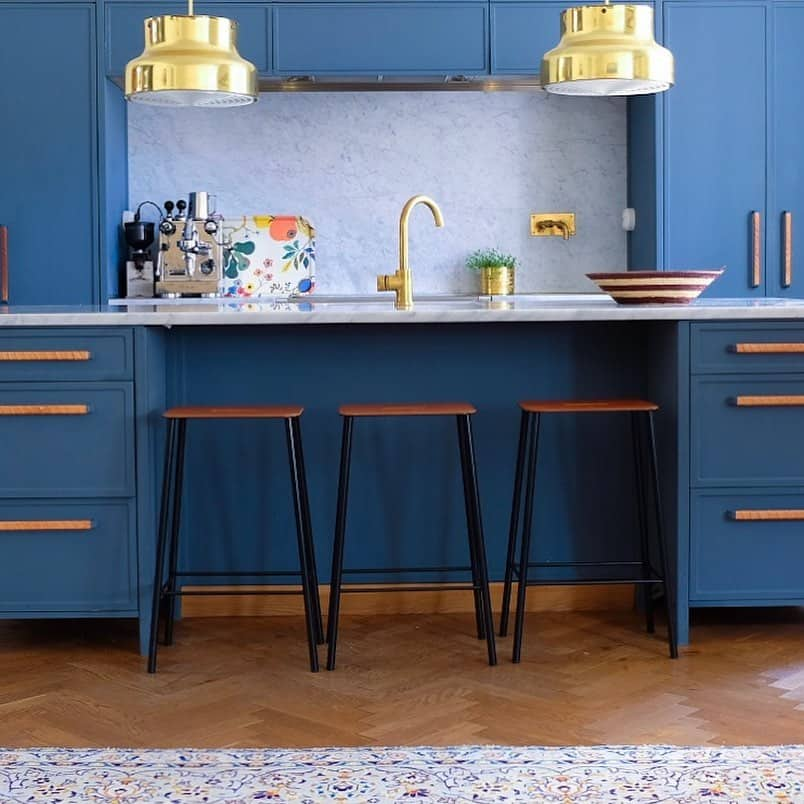 Royal Kitchen Design: 24 Royal And Warm Blue Kitchen Design Ideas