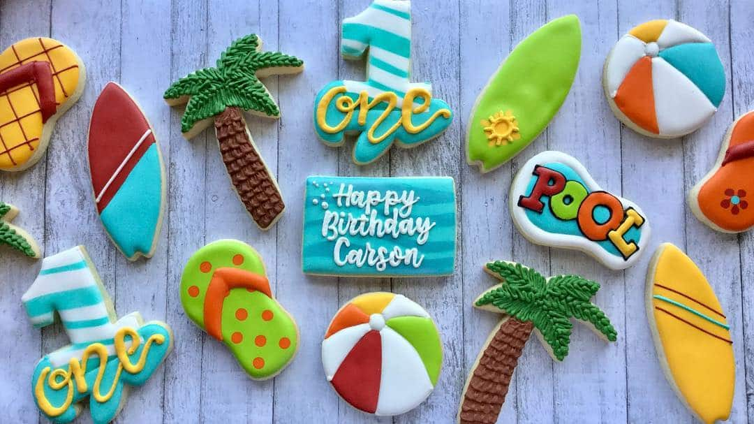 24 Fun and Perfect Beach Themed Cookies