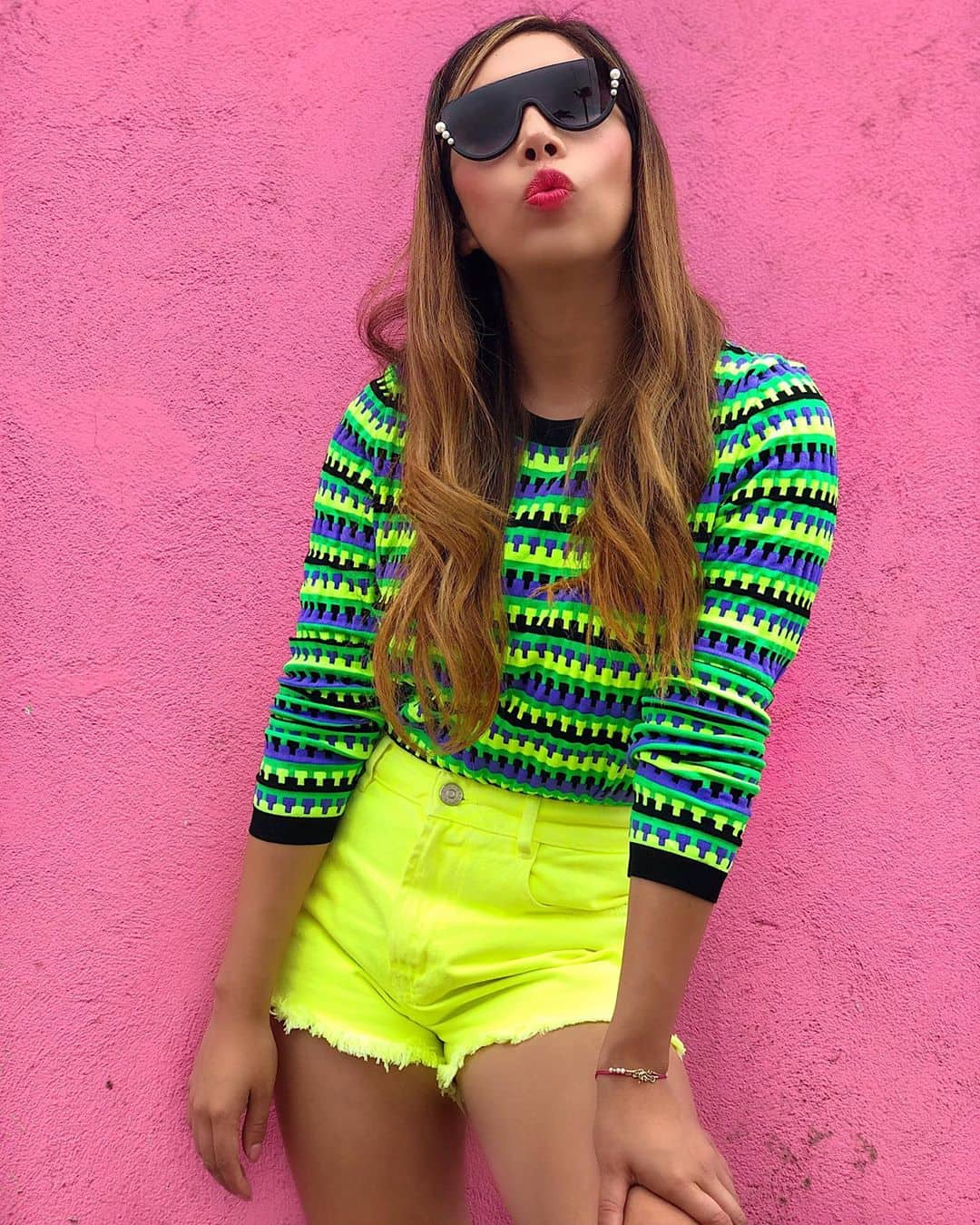 22 Stylish and Outstanding Neon Outfit Ideas