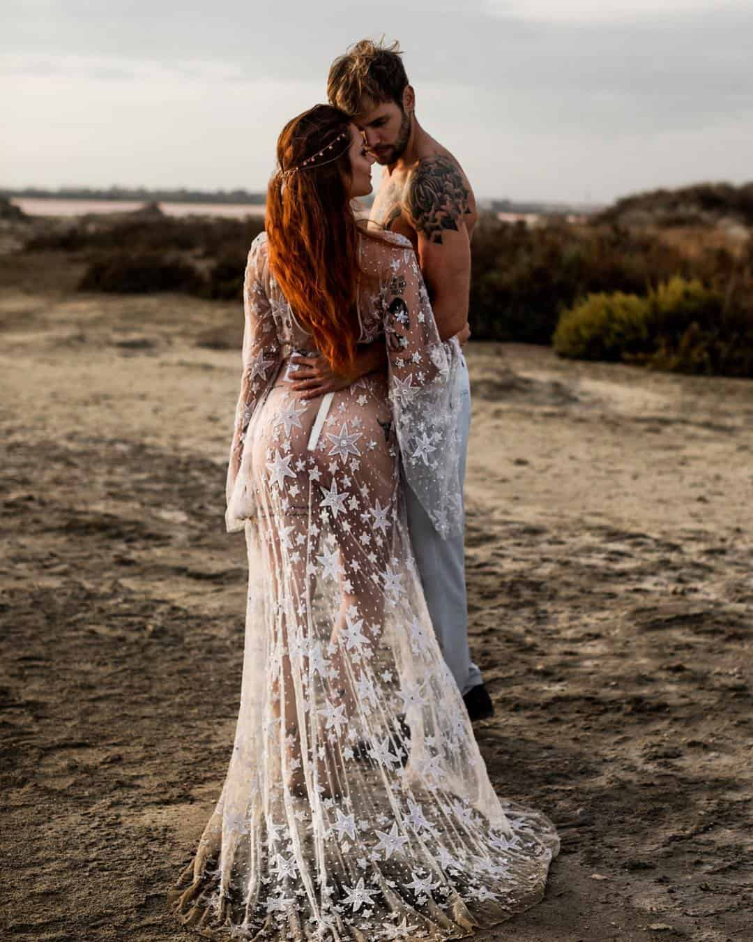 Romantic and Bold Wedding Photography by Elisabetta Lilly Red