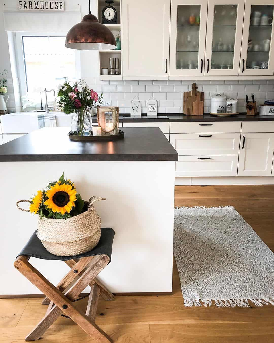 21 Clever Ideas for Decorating Your Kitchen in Farm House Style