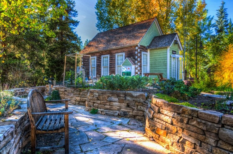 5 Ways to Add Rustic Charm to Your Yards Landscaping
