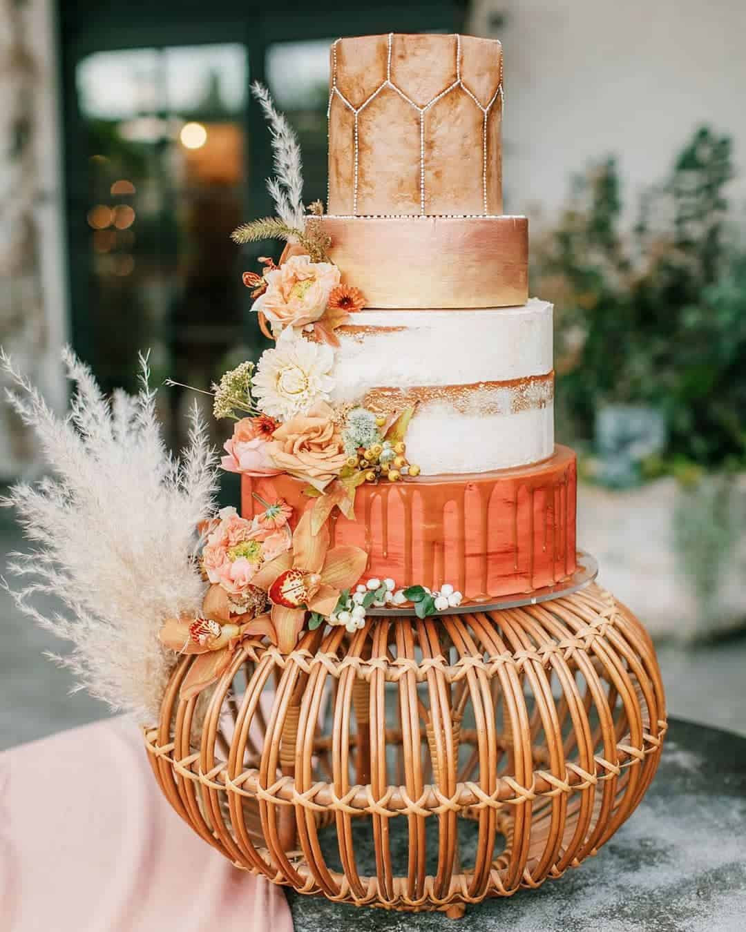 23 Soft And Rustic Fall Themed Wedding Ideas