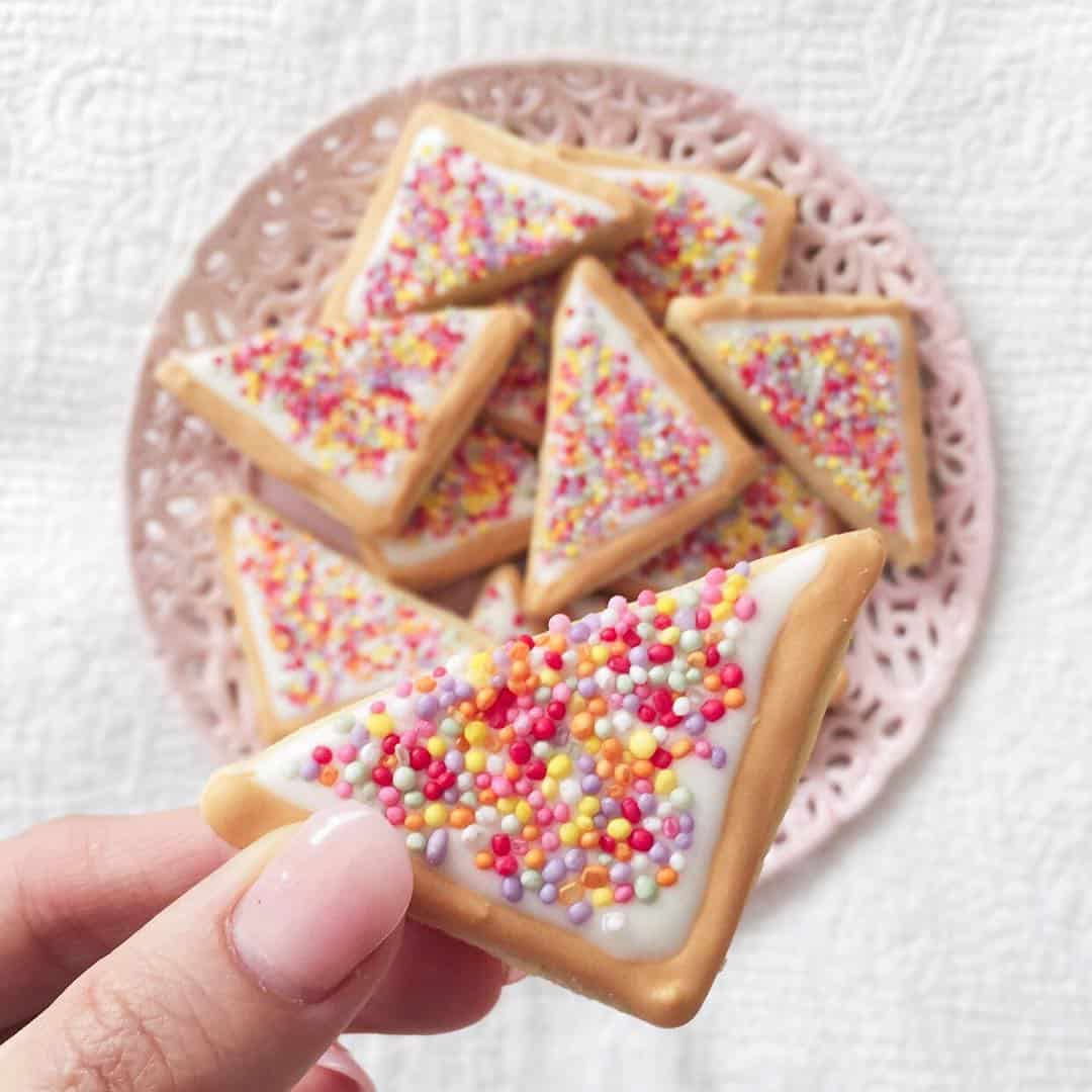 Sweet and Pretty Sugarcoated Cookie Designs by Jenna List
