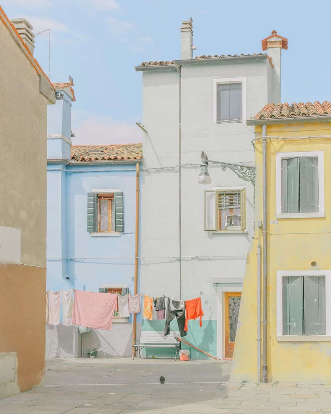 Fine Art Photographer Elegantly Captures Streets in Pastel Tones