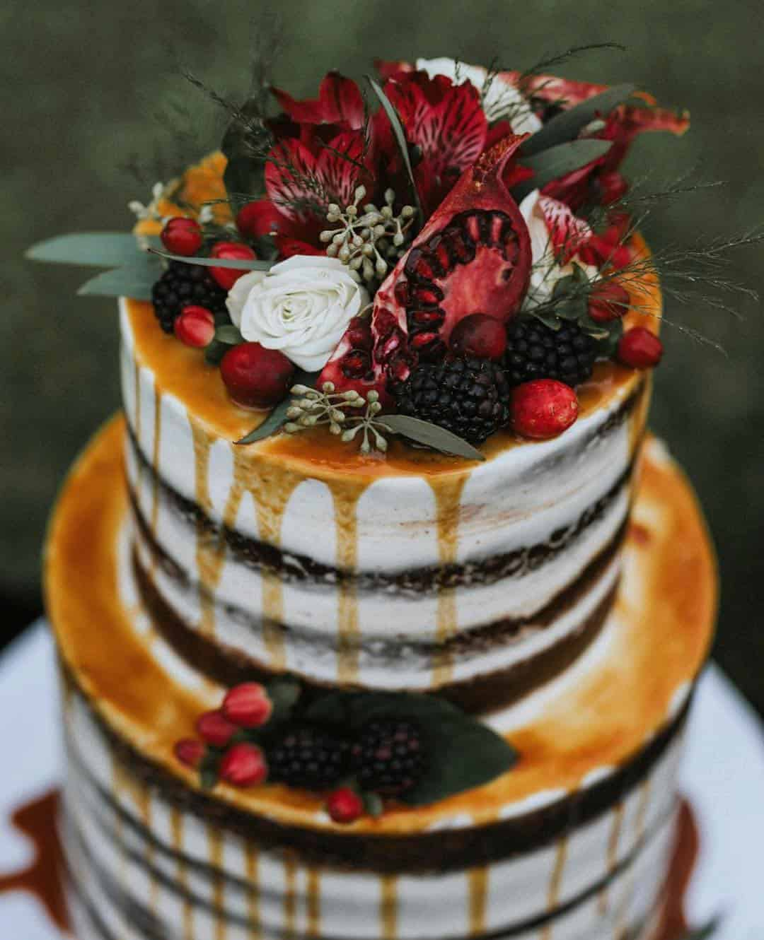 22 Ideas For Beautiful Fall Themed Wedding Cakes