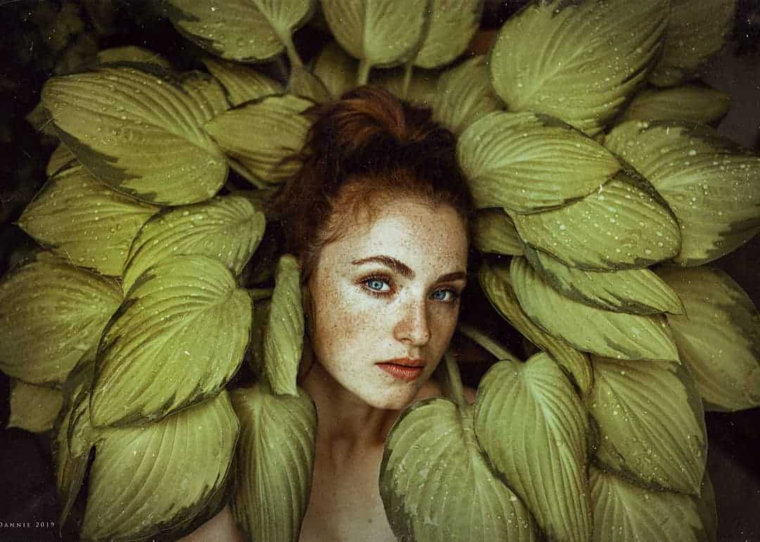 Beautiful Portraits of Women With Flowers by Daniela Haubertová