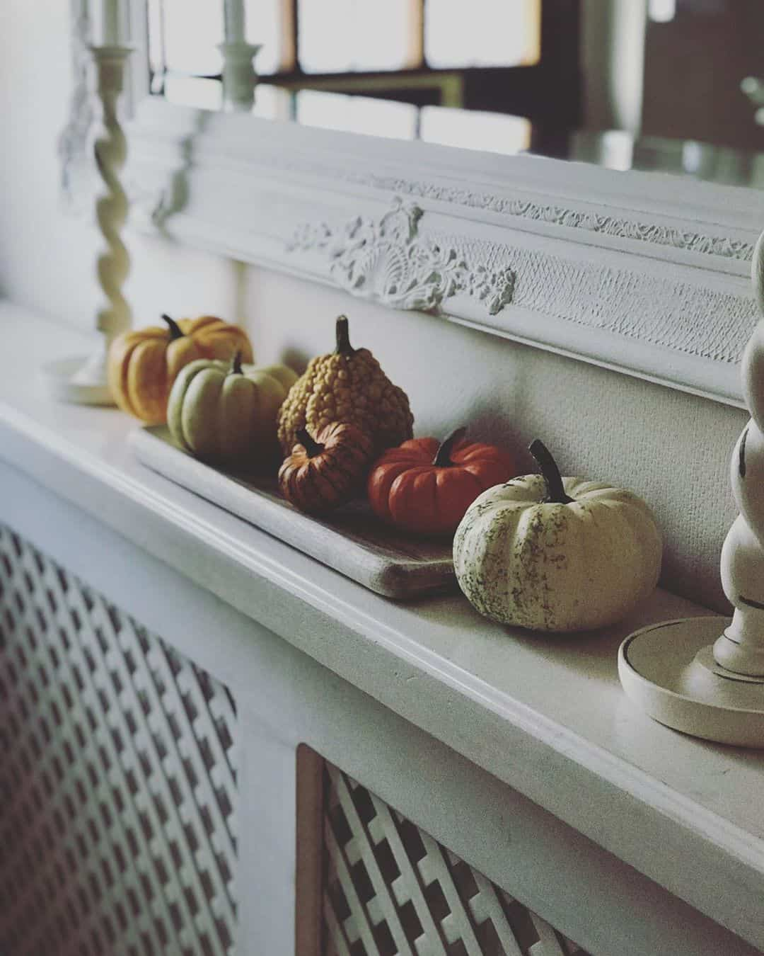 25 Chic and Clever Ways For Decorating Your Home With Pumpkins
