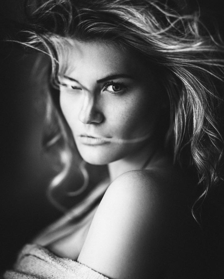 Black and White Female Portraits by Markus Hoppe