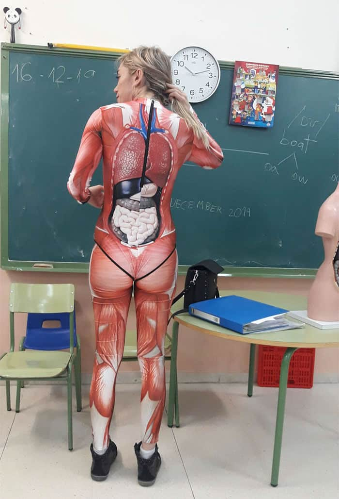 Teacher Who wore a Full Body Suit and Gave Anatomy Lessons to her Students Went Viral